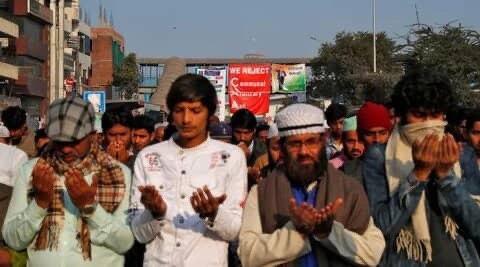 تصویر بازداشت 1200 معترض به قانون جدید شهروندی در اوتارپرادش هند