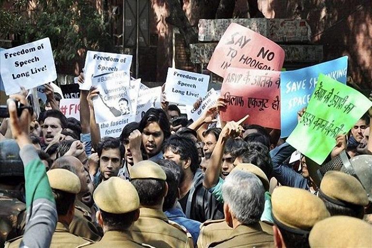 تصویر اعتراض مسیحیان هند به قانون تبعیضآمیز علیه مسلمانان