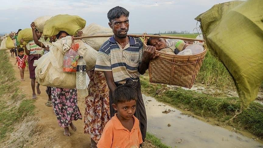 تصویر ارتش میانمار به کشتن مسلمانان روهینگیا ادامه میدهد