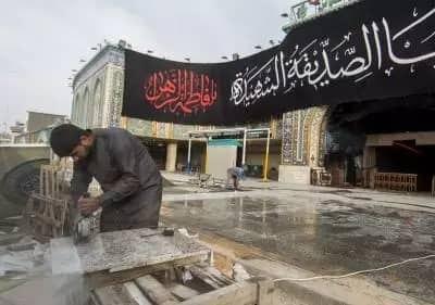 تصویر آغاز عملیات سنگ فرش باب القبله حرم مطهر عباسی