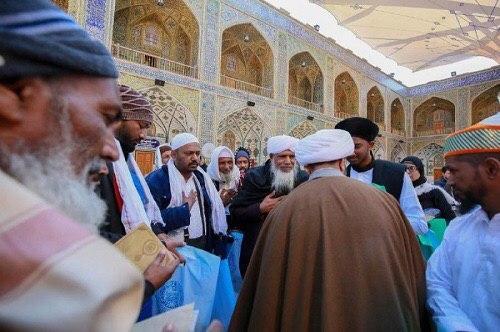 تصویر شیعیان هندی در ضیافت آستان مقدس علوی