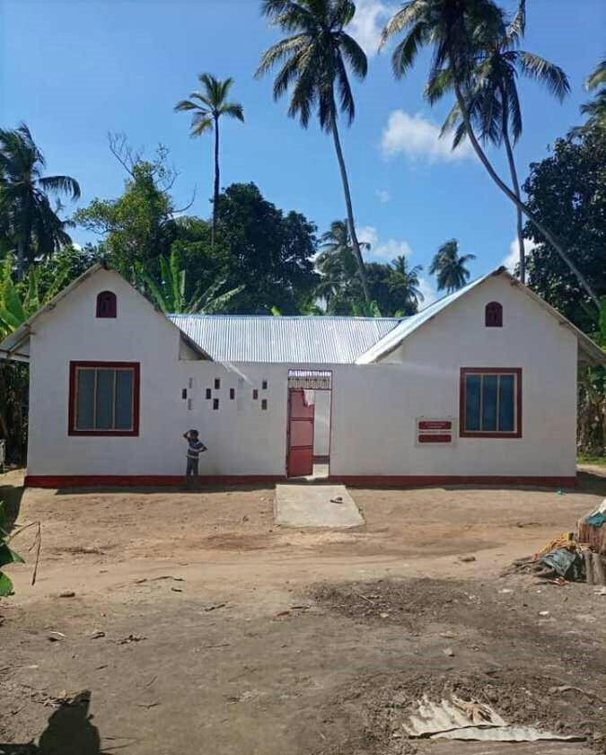 تصویر ساخت خانه برای یک خانواده بیبضاعت در زنگبار به همت اعضای «حسین کیست؟»