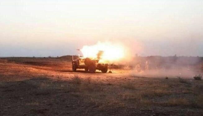 تصویر حمله موشکی به محقل استقرار داعش در شمال سامراء