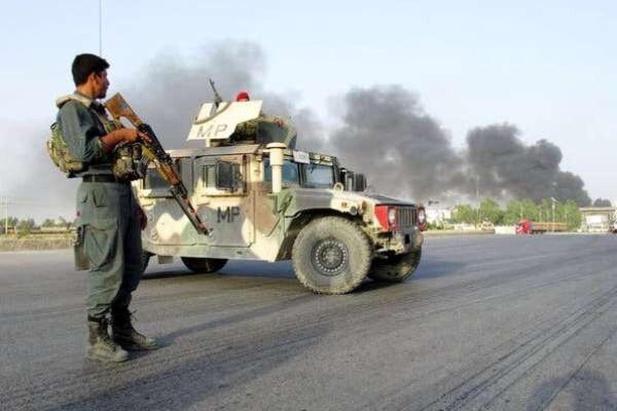 تصویر ۵ نظامی افغانی قربانی انفجار تروریستی