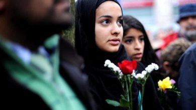 تصویر جوانان مسلمان در انگلیس احساس نا امنی می کنند