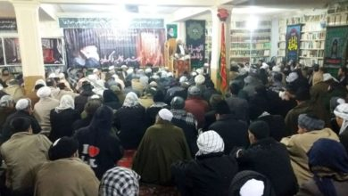 تصویر آغاز مراسم فاطمیه در دفتر حضرت آیت الله العظمی شیرازی در کابل