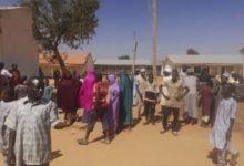 تصویر ربودن صدها دانش آموز در نیجریه