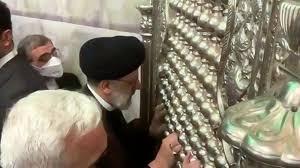 تصویر بوسیدن ضریح کاظمین توسط رئیس قوه قضائیه ایران