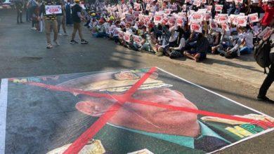 تصویر سرکوب گسترده و خشونت آمیز معترضان به کودتا در میانمار