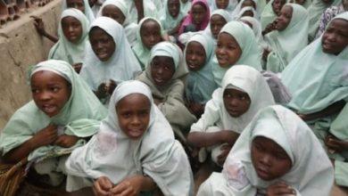 تصویر پلمپ ۱۰ مدرسه در نیجریه به دلیل حجاب دانش آموزان