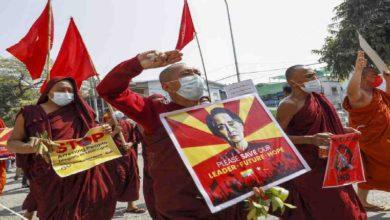 تصویر اعتراض بودایان میانمار به خشونتها