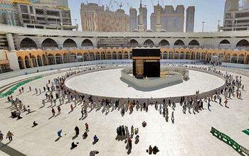 تصویر عربستان تا پایان رمضان زائر خارجی نمیپذیرد