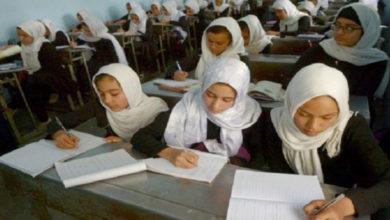 تصویر طالبان در تخار از رفتن دختران به مدارس جلوگیری میکنند