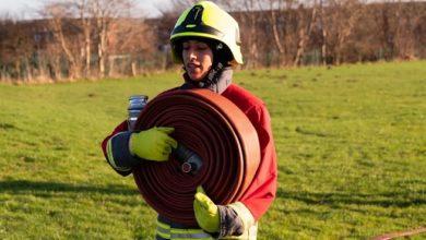 تصویر انتخاب اولین آتش نشان محجبه در انگلیس