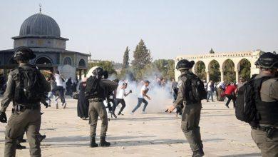 تصویر حمله گسترده اسرائیلی ها به نمازگزاران در مسجد الأقصی