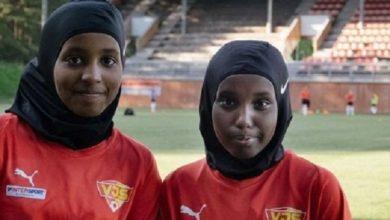 تصویر توزیع رایگان حجاب ورزشی میان دختران مسلمان در فنلاند