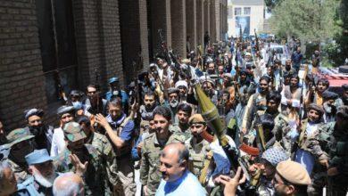 تصویر به پا خواستن مردم هرات در برابر عناصر طالبان