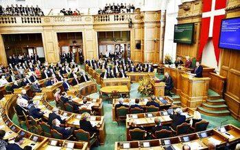 تصویر پارلمان دانمارک لایحه «مهاجرستیز» اخراج پناهجویان را تصویب کرد