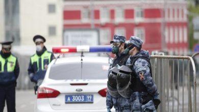 تصویر آزاد شدن ۶۰۰ نمازگزار بازداشتی در مسجدی در مسکو