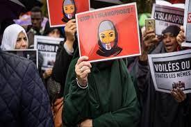تصویر واکنشها به تصویب قانون جنجالی ضداسلامی در فرانسه