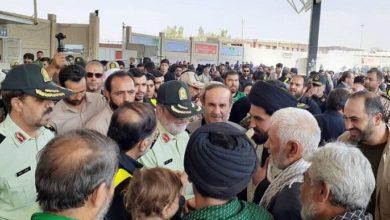 تصویر از تجمع هزاران ایرانی در مرز مهران تا ضرب و شتم آنها توسط نیروی انتظامی