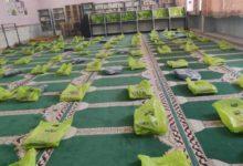 تصویر اهدای لوازم التحریر به 800 دانش آموز نیازمند