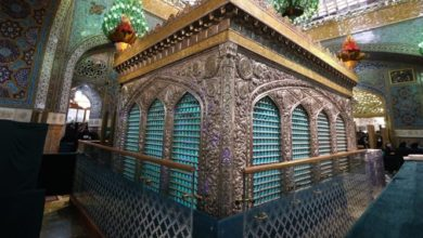 تصویر تسهیل زیارت زائران در روضه منوره رضوی